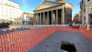 Geçmişe Bastığın Yerdir Roma
